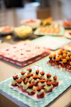 Sommerfriske & fargerike kanapeer, sommerfesten 2014 Foto: Even Lundefaret