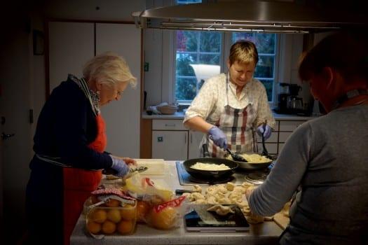 God stemning på kjøkkenet, Mat & Identitet Foto: Susanne Nygård